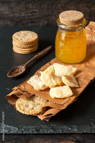 Cheese with honey and crispy  cookies