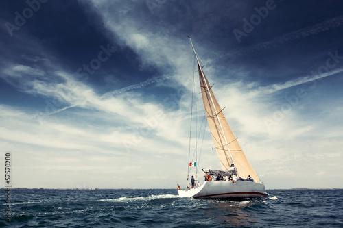 Leinwanddruck Bild Sailing ship yachts with white sails