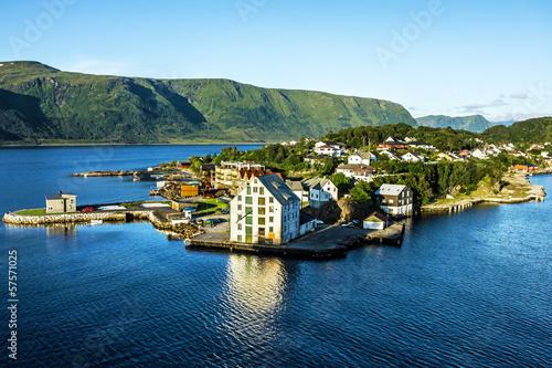 Papiers peints Ile Sea view on island in Norwegian fjords, Alesund, Norway.