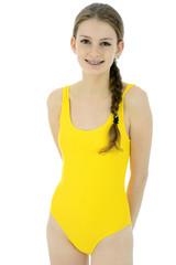 Teenager in gelbem Badeanzug