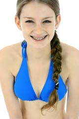 Teenager in Bikini lacht