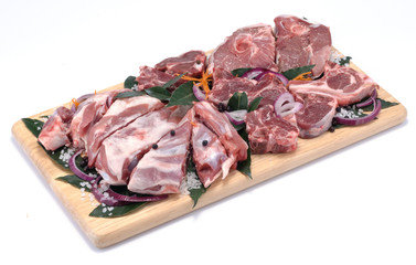 Carne di agnello in parti