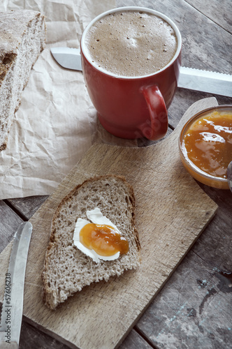 Breakfast with pear jam and bread