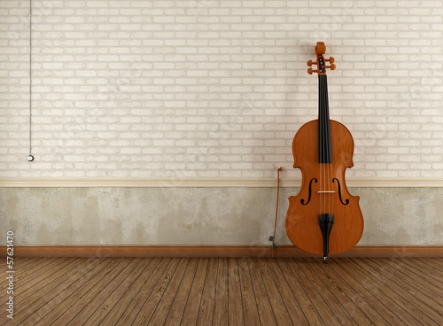 Double-bass in a empty retro room