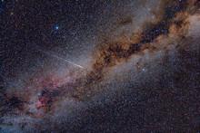 Perseid Meteor Crossing Drogę Mleczną