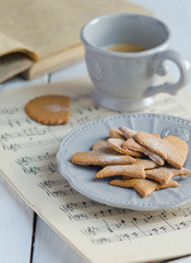 Ginger biscuits with cup of coffee