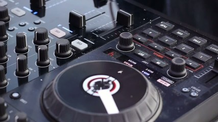 Hands DJ at work