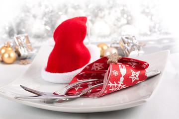 Weihnachtlich gedeckter Tisch ©yvonneweis