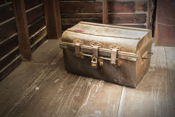 Old Box vintage