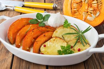 Kürbis - Kartoffel - Gericht - gebacken