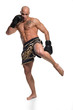 junger Thaiboxer Tritt, kickboxen