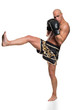 sportlicher Kämpfer beim Kickboxen