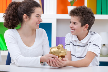 children saving money