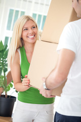 woman moving in with boyfriend