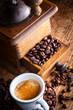 macinino caffè con tazza