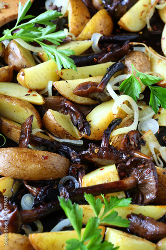 roasted potato wedges and mushrooms