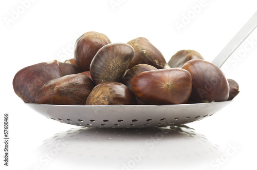 aluminium skimmer with chestnuts on the white