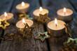 Frohe Weihnachten: Lichter im Dunkeln