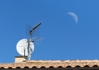 tv antenna and moon