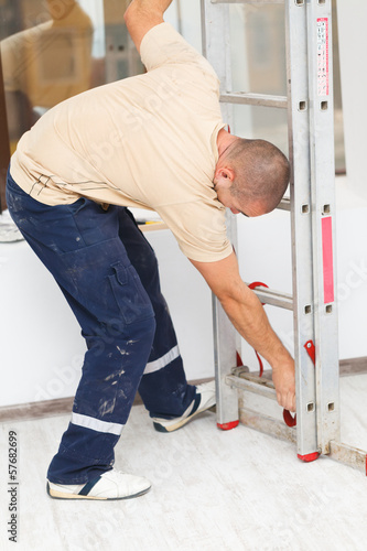 Handyman Mounting Step Ladder