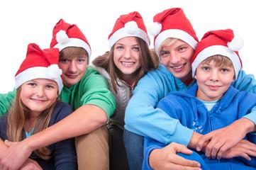 Teenager mit Nikolausmütze