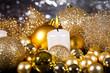 canvas print picture - festliche goldene weihnachtsdekoration im kerzenlicht