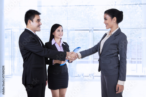 Business partners making an agreement