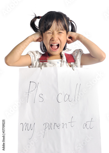 asian little girl get lost with parent information contact