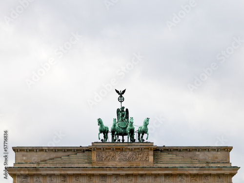 bronze quadriga on brandenburg gate