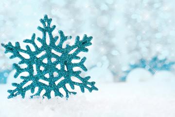 Blauer Eiskristall ©yvonneweis