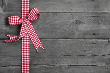 Foto: Rustikaler Holz Hintergrund als Grußkarte für Glückwünsche