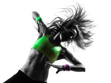 femme exerçant Zumba Fitness silhouette de danse