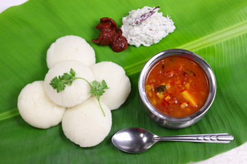 idli, sambar, coconut and lime chutney,