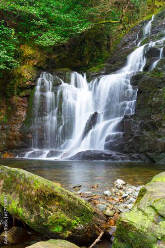 Plakat Naszyjnik wodospad w Parku Narodowego Killarney, Irlandia