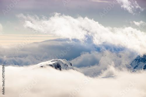 Cime delle Dolomiti tra le nuvole © Pixelshop