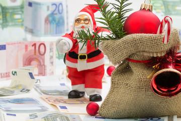Weihnachtssack mit Nikolaus und Geldscheine