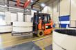 Gabelstapler in Produktionshalle