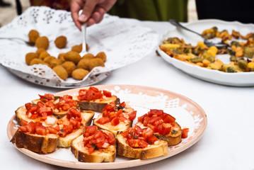 Bruschette and olive ascolane