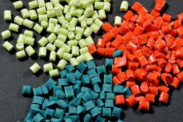 gefärbte Kunststoff Granulate