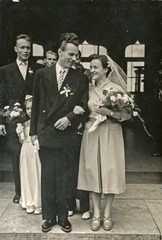 wedding day - the bride and groom - circa 1955