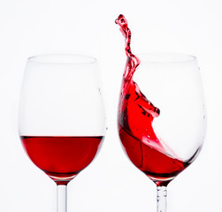 Two wine splash