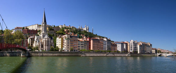 Saint georges church, next to the Saone river