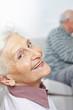 canvas print picture - Lachende Seniorin mit vielen Falten
