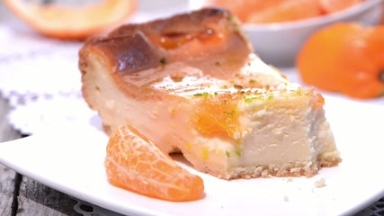 Rotating Cheese Cake (macro video)