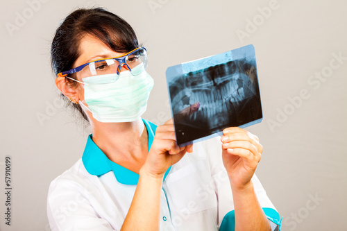 Dentist with xray