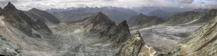 HDR panorama on jubilaumsgrat between Zugspitze and Alpspitze