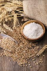 ambientazione di cereali con farina
