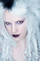 weißhaarige Diva