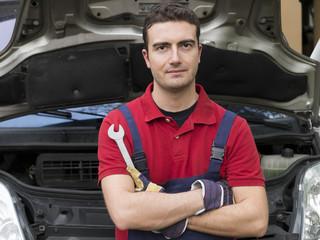 confidence mechanic portrait