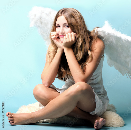 Merry Christmas:  lovely, female angel